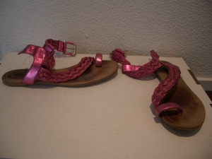 Pink-Sandals-Schubidista-BineLovesLife
