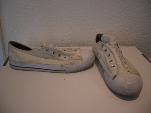 White-Sneakers-Op-Schubidista-BineLovesLife