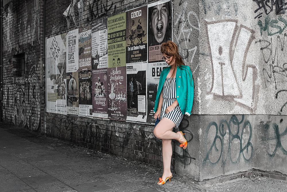 Fashion Week OOTD TrendyThursday Colorful Wall BineLovesLife