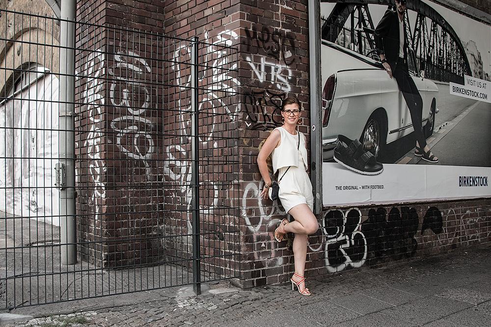 FashionWeek OOTD TrendyThursday allwhite wall BineLovesLife
