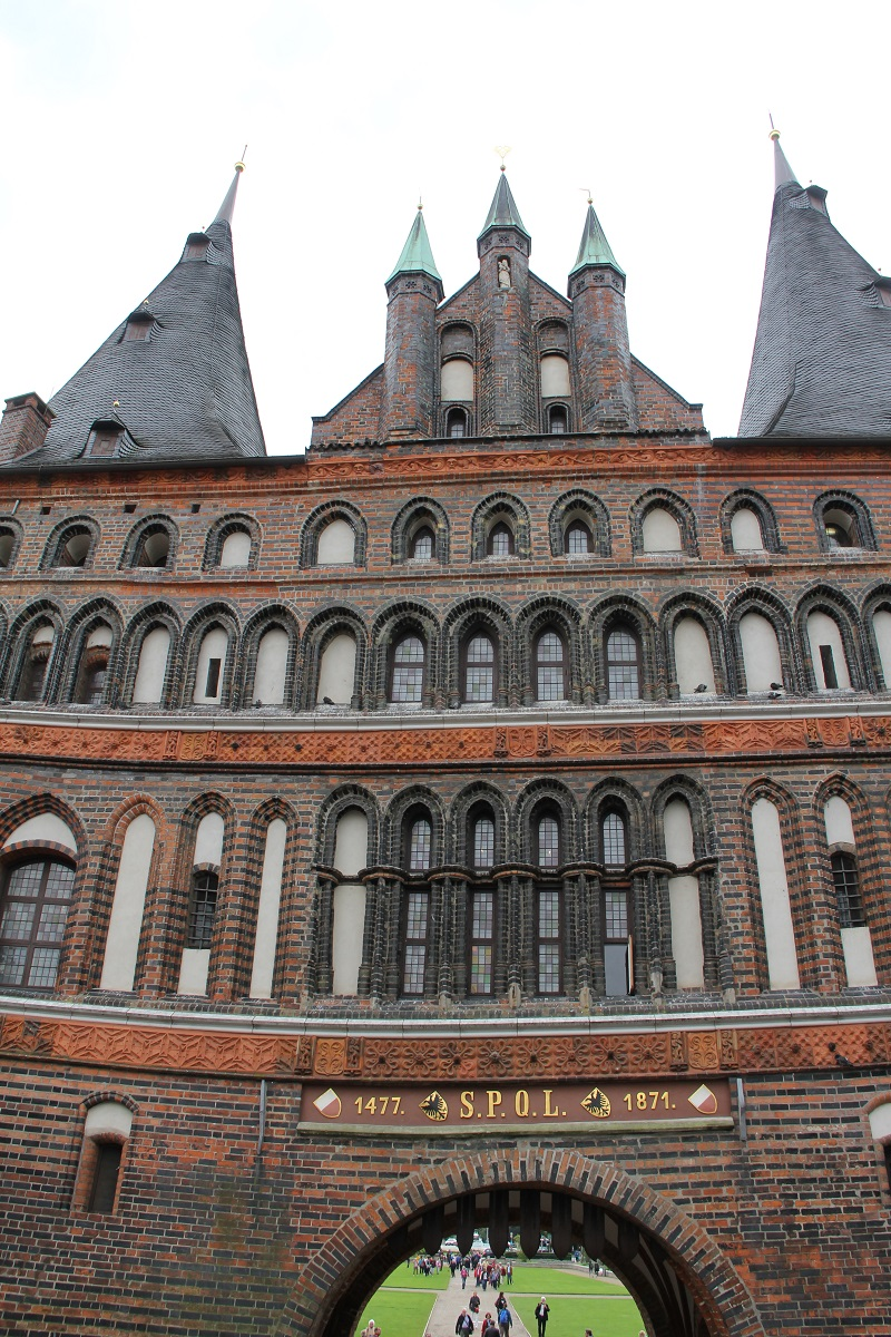 48hours-in-Lübeck-Holstentor-BineLovesLife-TravelTuesday