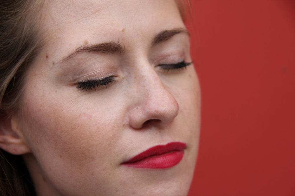 Auf-Fotos-gut-aussehen-BineLovesLife-TrendyThursday-Rote-Lippen