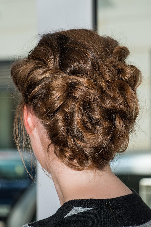 Details Hochsteckfrisur lange Haare perfekte Brautfrisur BineLovesLife