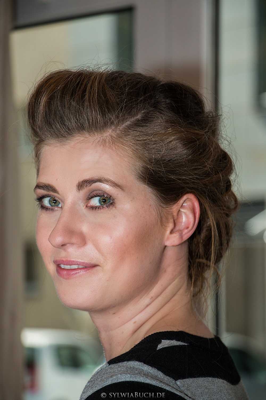 Hochsteckfrisur lange Haare frontal Perfekte Brautfrisur BineLovesLife