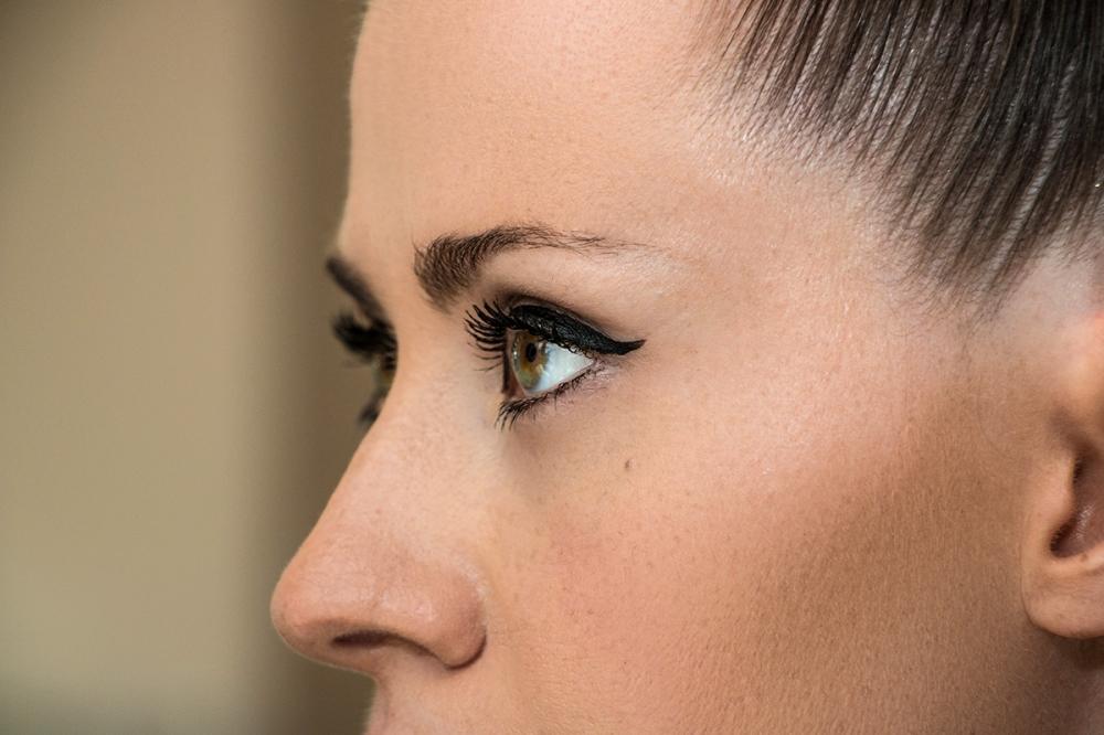 Modern Sexy Wedding Eyeliner Tutorial BineLovesLife