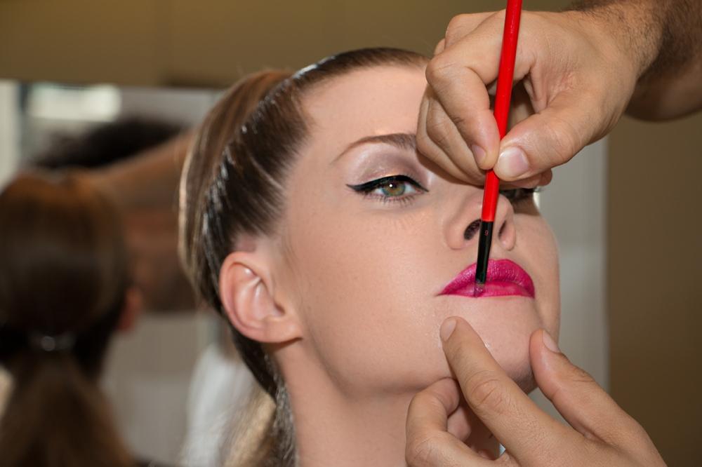 Modern Sexy Wedding Makeup Tutorial Lips to kiss BineLovesLife