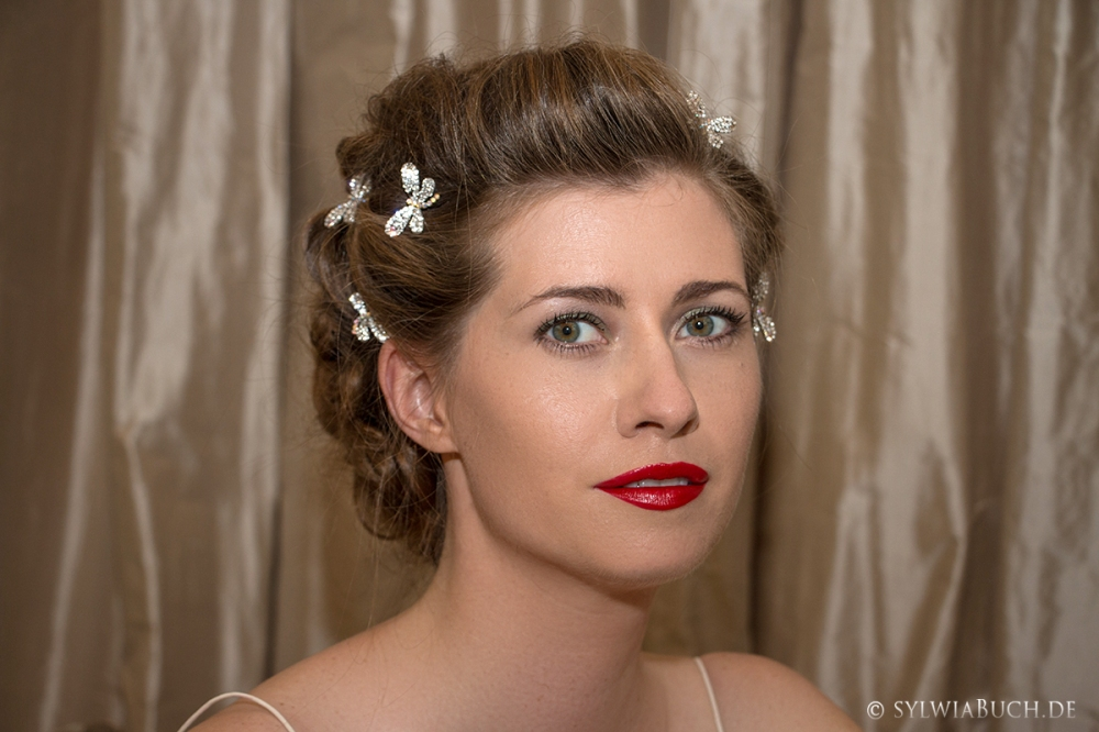 Romantic Makeup Red Lips Bridal BineLovesLife