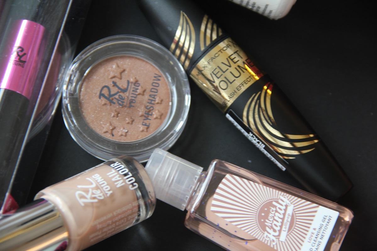 Pink Box PopArt Makeup BineLovesLife