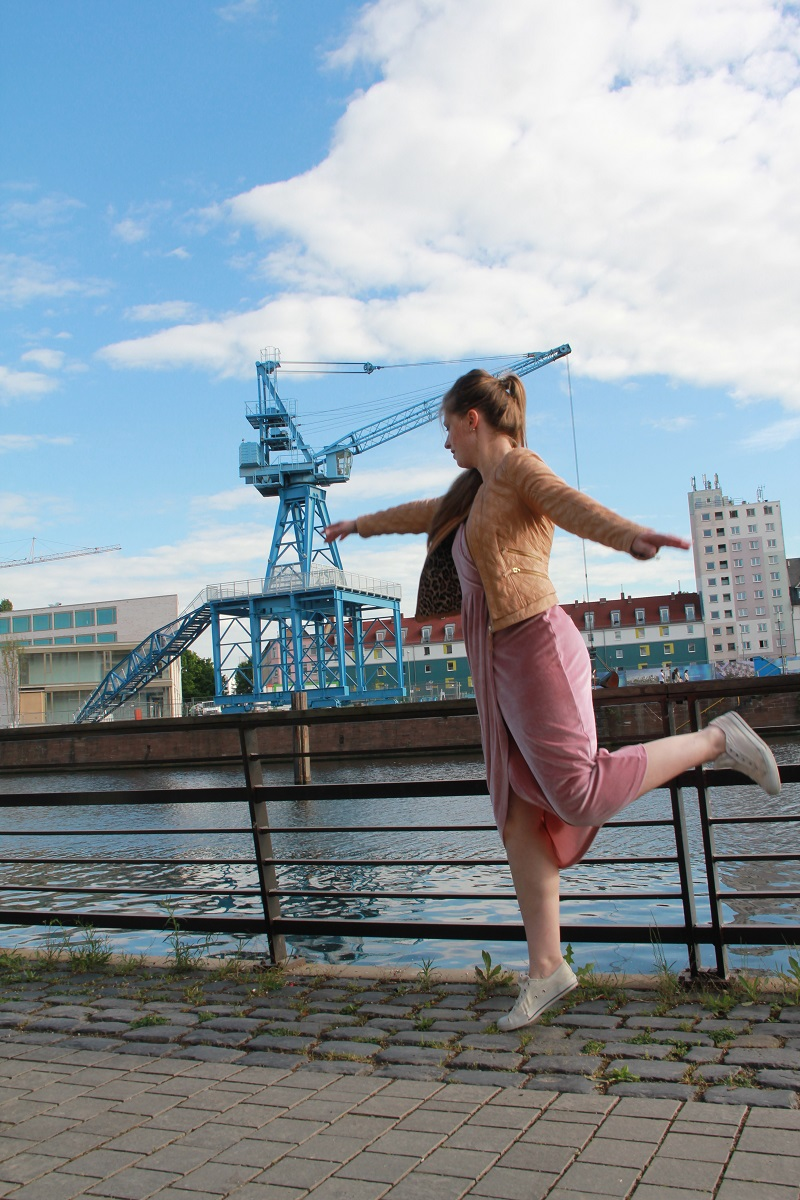 Mom OOTD Ballerina TrendyThursday BineLovesLife