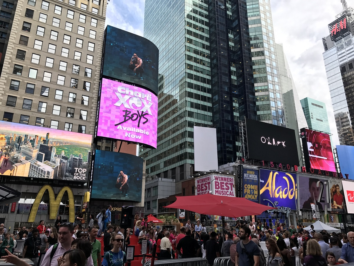 Times Square mit Kindern TravelTuesday BineLovesLife