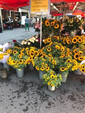 Sightseeing Bern Market BineLovesLife
