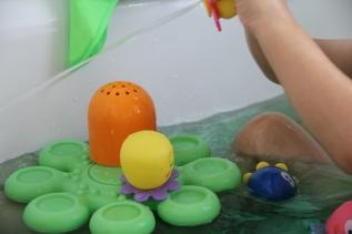 Okto Plantschis Badewannenspielzeug Erfahrung BineLovesLife