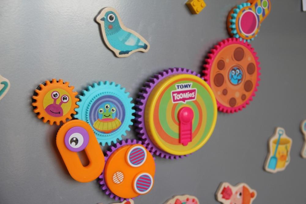 Zusammenhänge verstehen Tomy Spielzeug Erfahrung FamilyFriday BineLovesLife