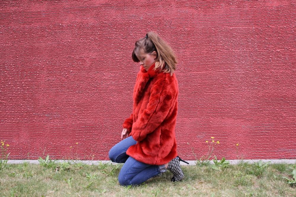 Roter Mantel TrendyThursday BineLovesLife