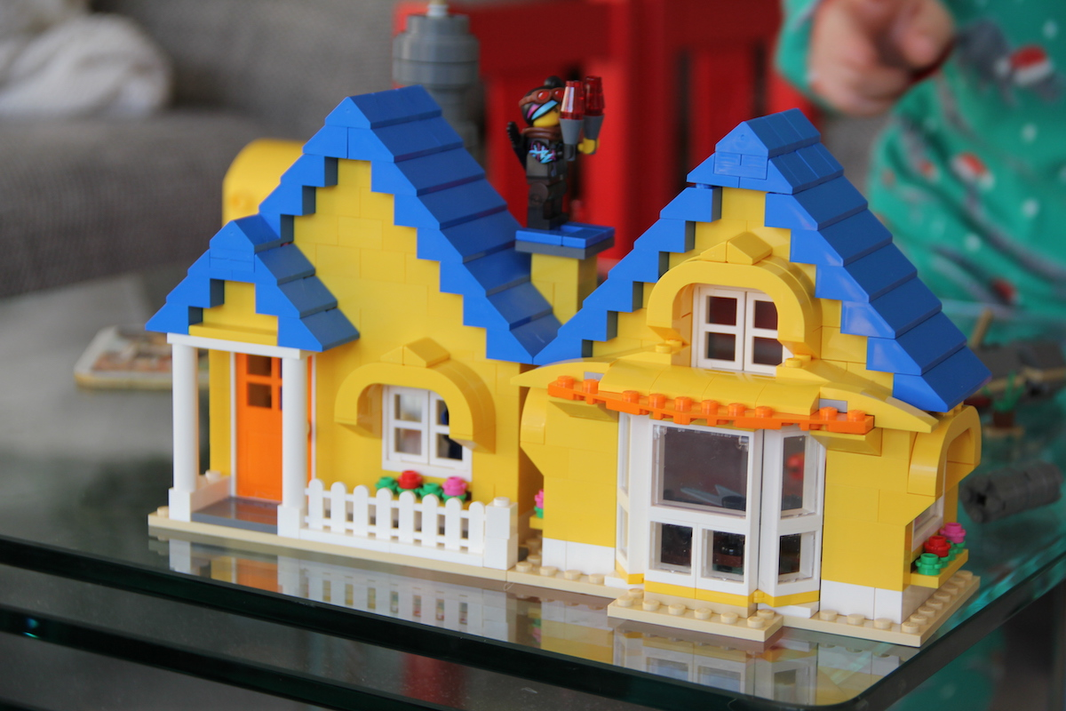 lego movie 2 emmets traumhaus familyfriday bineloveslife