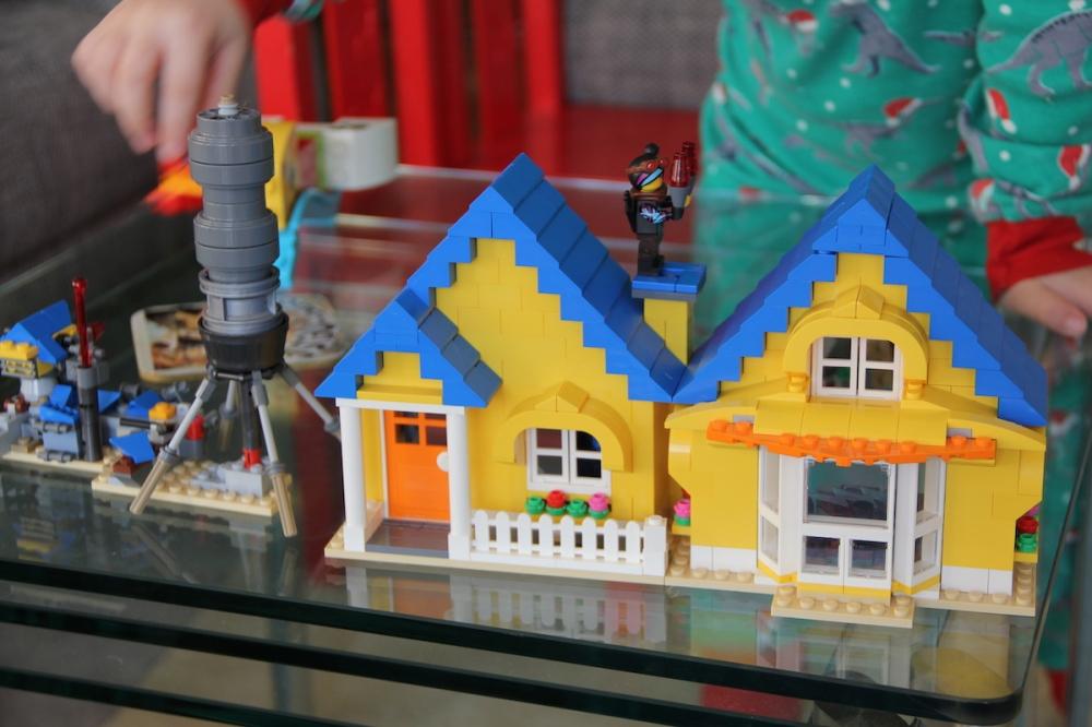 lego movie2 emmets traumhaus familyfriday bineloveslife
