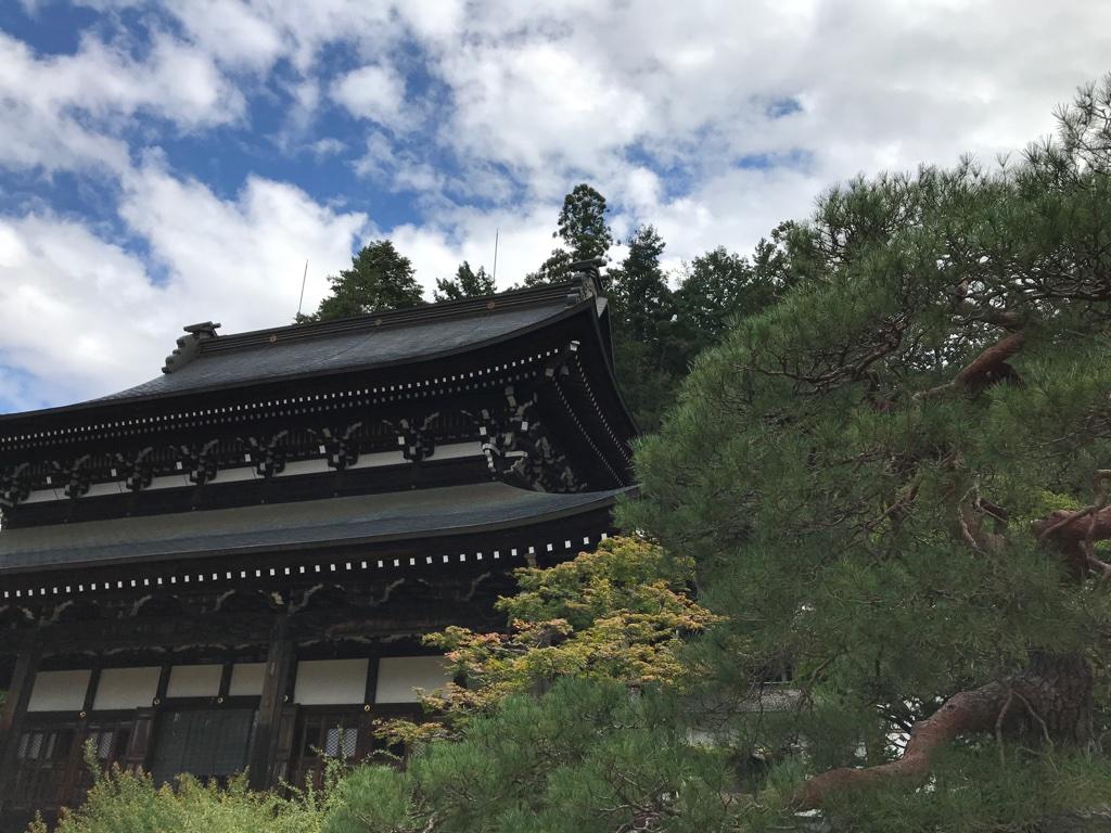 Tempel in Takayama mit Kindern BineLovesLife