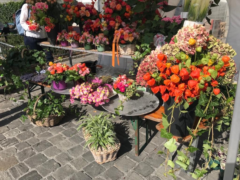 Luzern mit Kindern Blumen Markt BineLovesLife